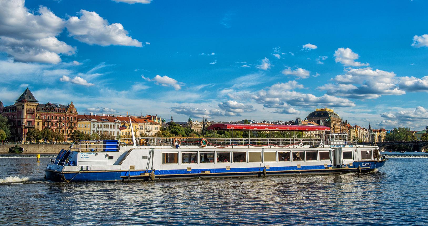 Plavby o Vltavě